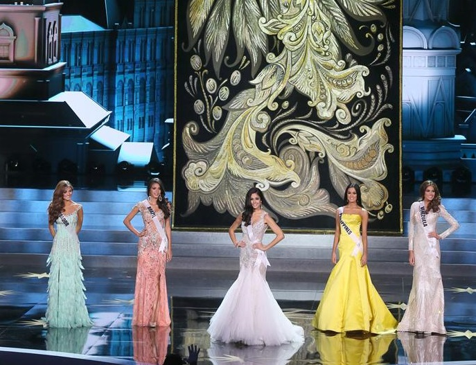 MISS UNIVERSO 2013: Constanza Báez entre las tres mujeres más bellas del mundo