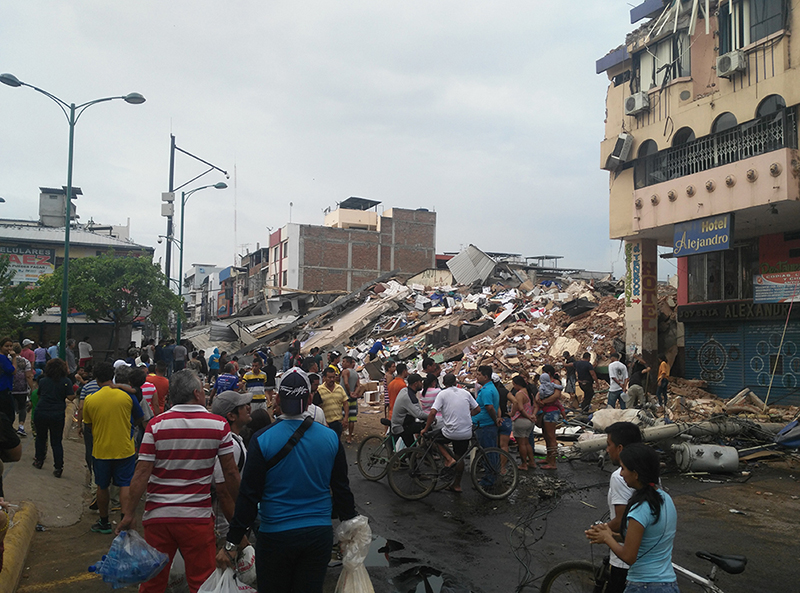 Centro de Portoviejo destruído tras sismo