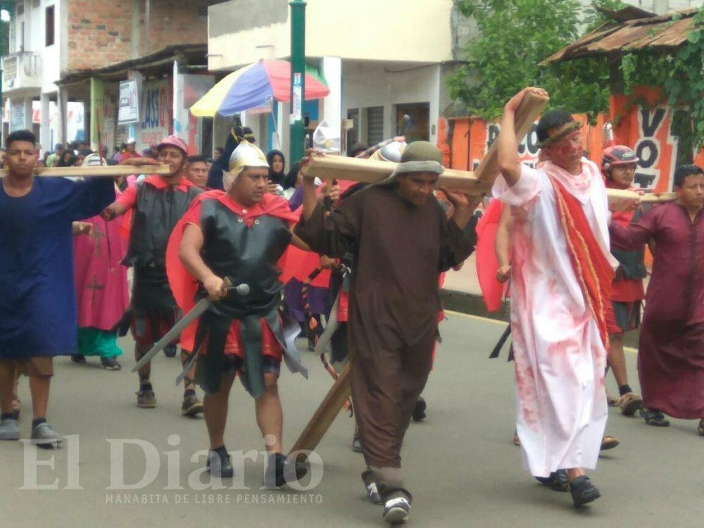 VIERNES SANTO: La fe católica se expresó en las calles de diversos cantones de Manabí