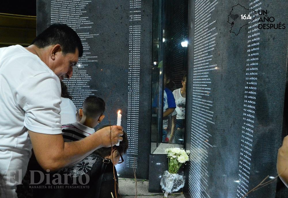 #16ATenemosMemoria: Manabí se unió en oración por las víctimas del terremoto