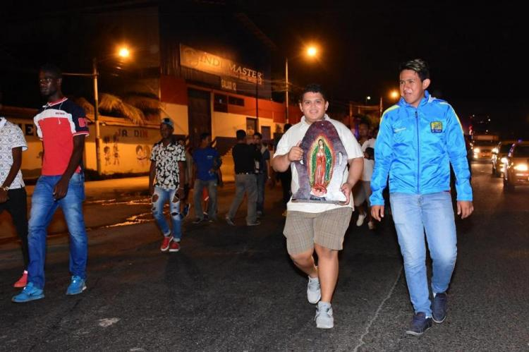 Caminaron de Manta a Montecristi para agradecer los logros del Delfín