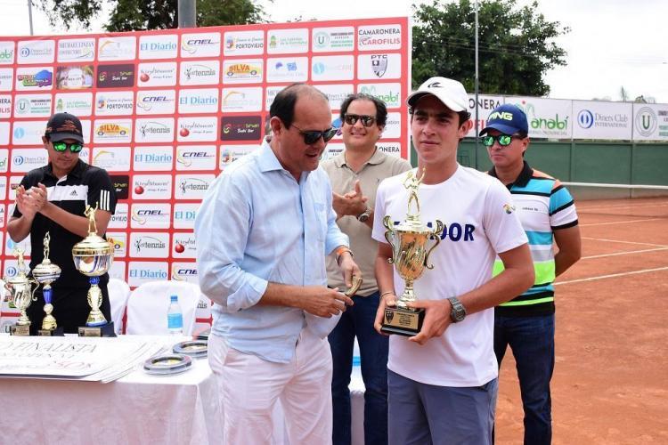 Gonzalo Escobar gana la VI edición del Tamarindo Open