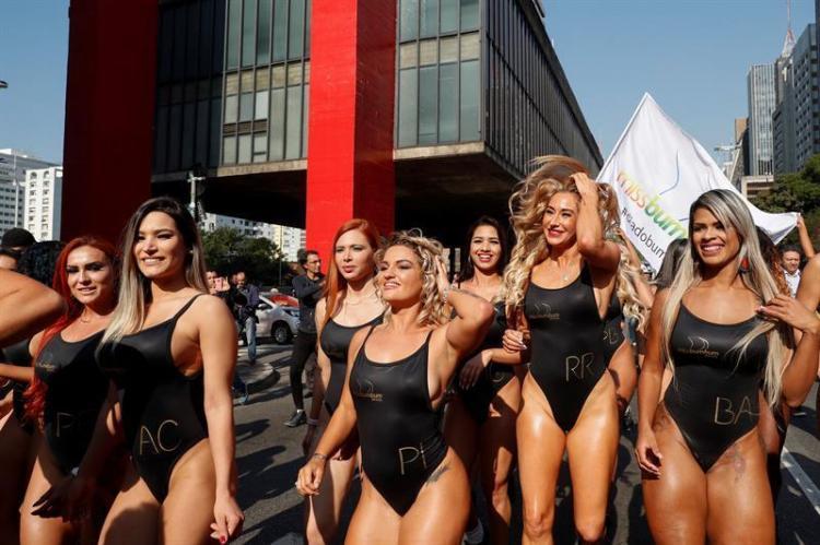 Las candidatas a 'Miss Bumbum' calientan motores en Brasil