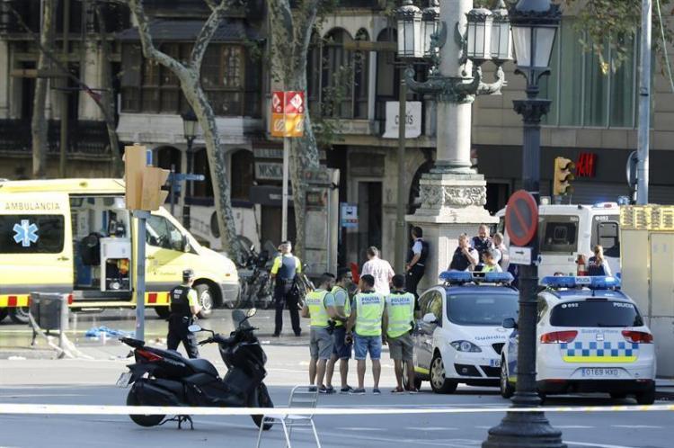 TERROR EN BARCELONA: Atentado terrorista deja 13 muertos y más de 50 heridos