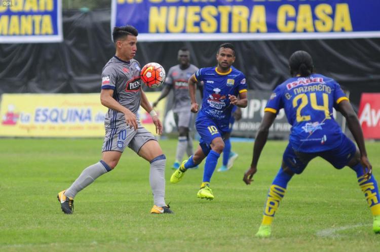 Delfín, puntero absoluto tras vencer en casa a Emelec (2-1)