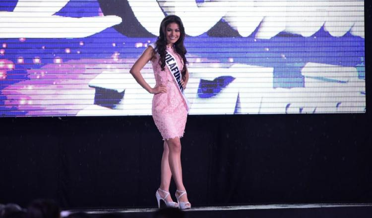 17 candidatas van tras la corona de Reina de Manabí 2017