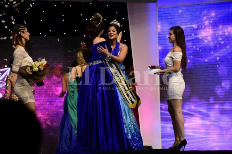 La mantense Joseleem González es elegida como la nueva Reina de Manabí