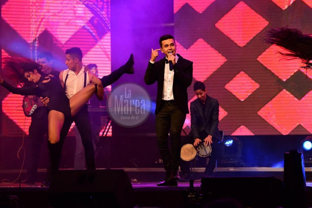 La gala de elección estuvo amenizada por artista mantenses, como el cantante Maykel Cedeño.