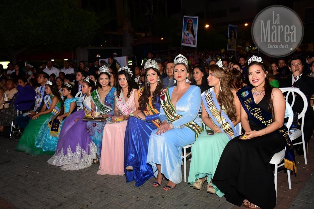 Otras reina de belleza se hicieron presentes en la Plaza Cívica como parte del evento.