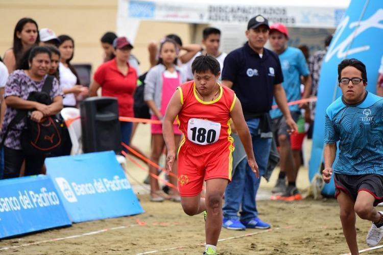 Manta acoge los Primeros Juegos Nacionales de Playa de Olimpiadas Especiales