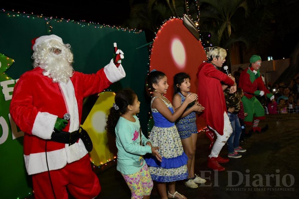 El show gratuito estuvo lleno de alegría y diversión para grandes y pequeños.