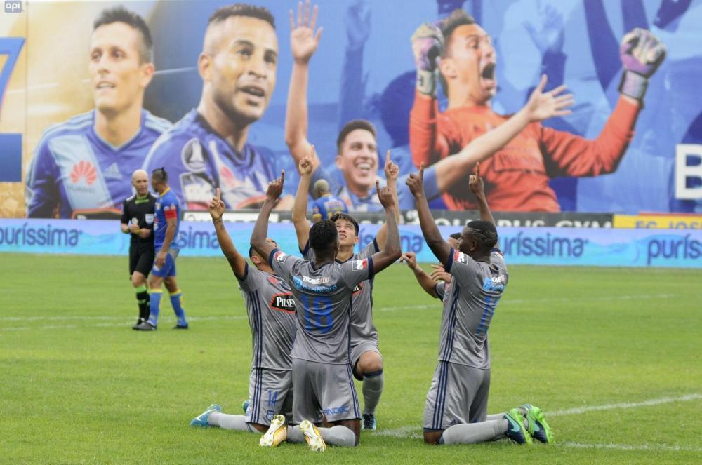 Emelec venció por 0-2 a Delfín (6-2 en el global) convirtiéndose en el campeón 2017 del torneo ecuatoriano de fútbol.