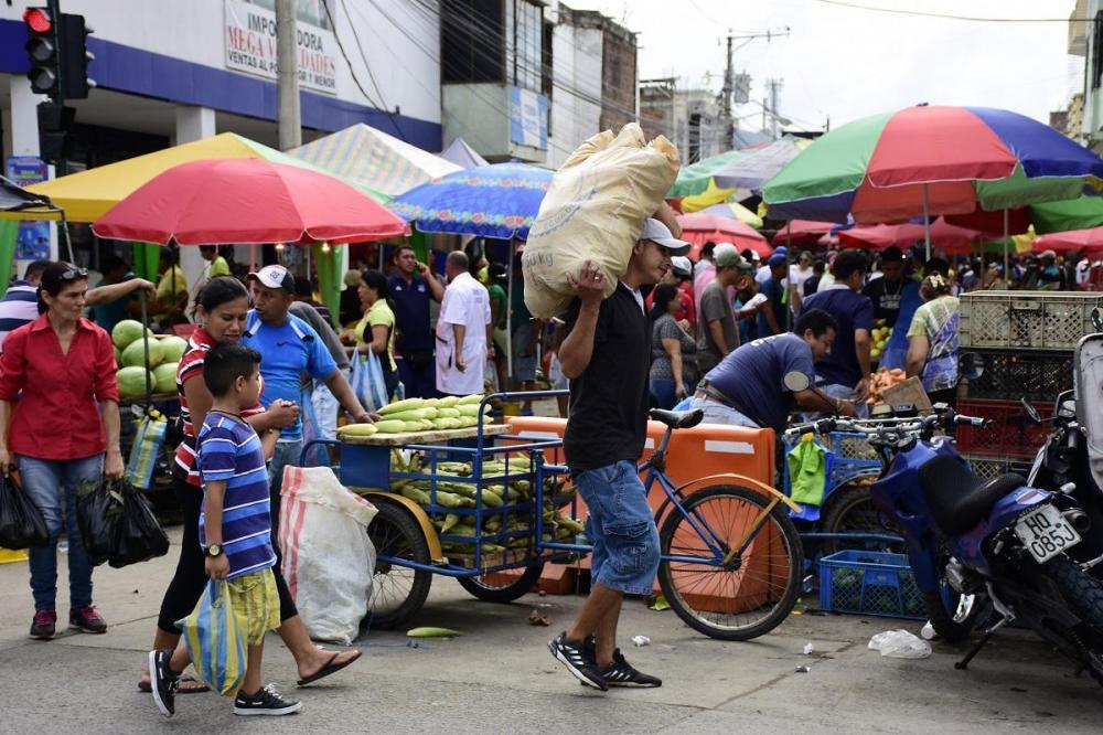 En la parroquia Picoazá de Portoviejo hubo gran concentración de personas en el mercado, desde tempranas horas de la mañana.