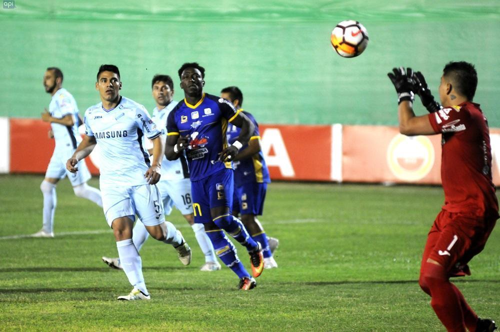 Delfín debutó  en Copa Libertadores de América, con un empate ante Bolívar de La Paz