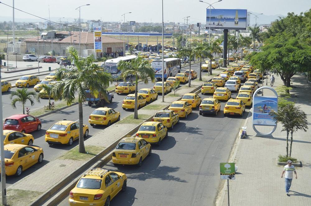 Las vías en buen estado es otra petición de la 'fuerza amarilla'.