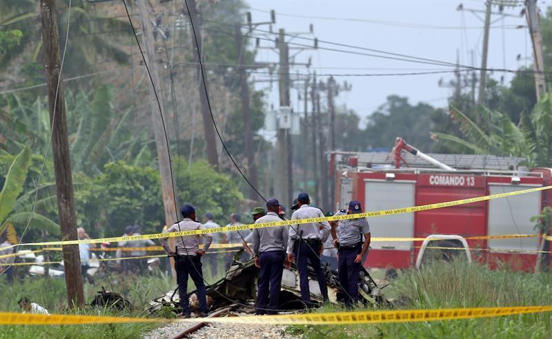 Bomberos, policía y asistencia médica llegaron a brindar sus servicios a la zona