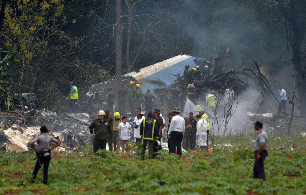 Tres personas sobrevivieron al accidente aéreo pero se encuentran en estado crítico