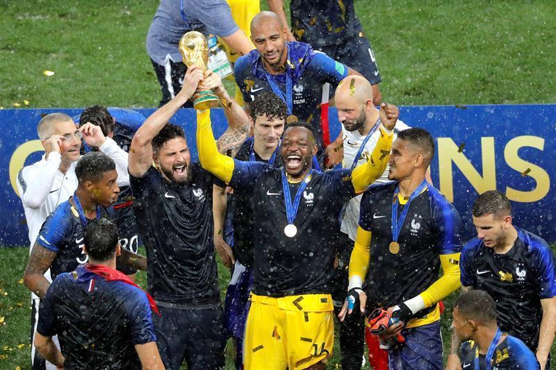 'Le France' con la buena táctica obtiene la segunda estrella.