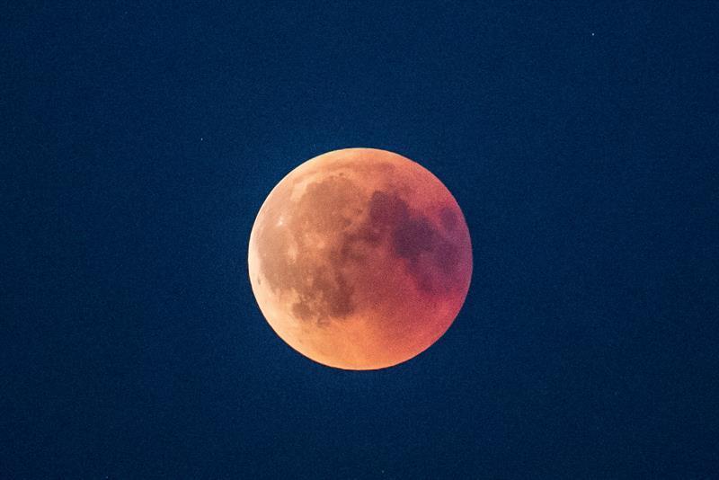 Un eclipse se produce cuando un planeta o una luna se interpone en el camino de la luz del Sol