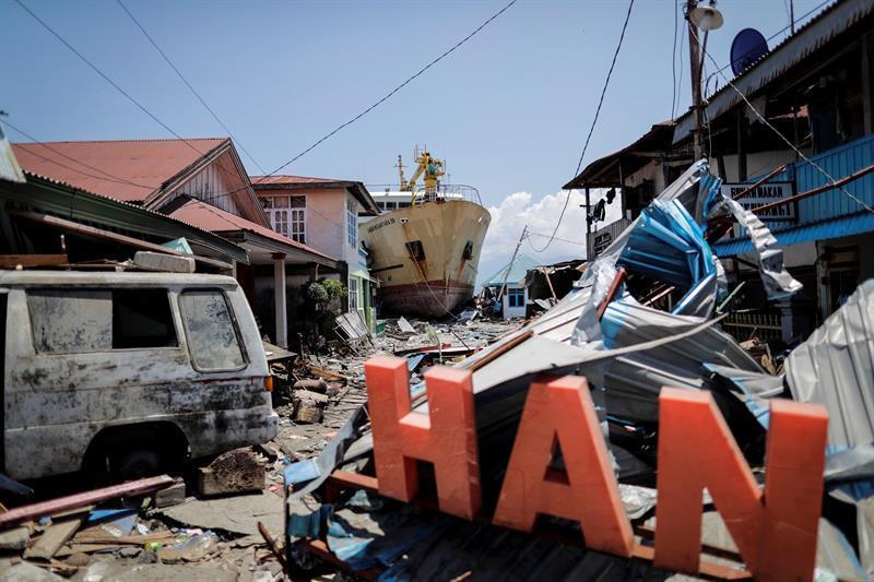 Varias ONG colaboran en la búsqueda y atención de las víctimas sobre el terreno