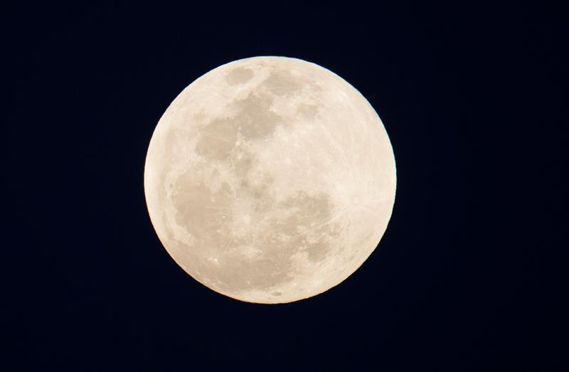 Las mejores fotos del eclipse de luna roja alrededor del mundo-Venezuela