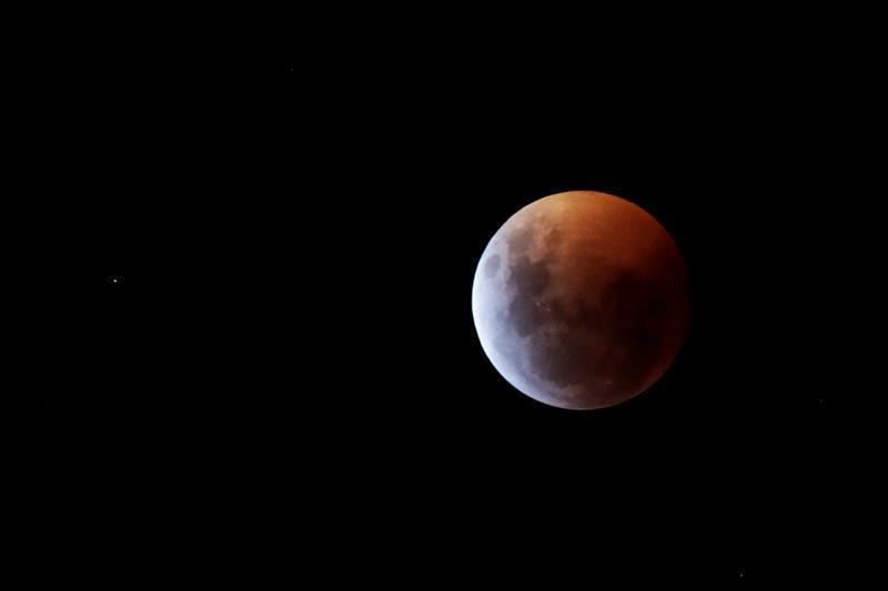 Las mejores fotos del eclipse de luna roja alrededor del mundo-Panamá