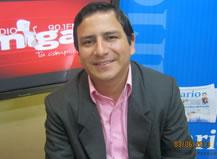 Odontólogo Carlos Villacreses