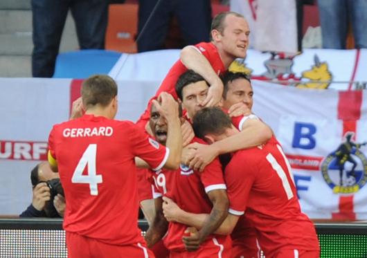 Inglaterra evita la 'humillación' y se mete en octavos de final