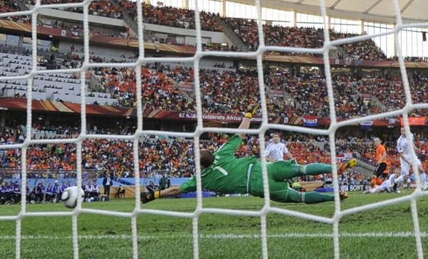 Holanda venció 2 - 1 a Eslovaquia y está en cuartos de final
