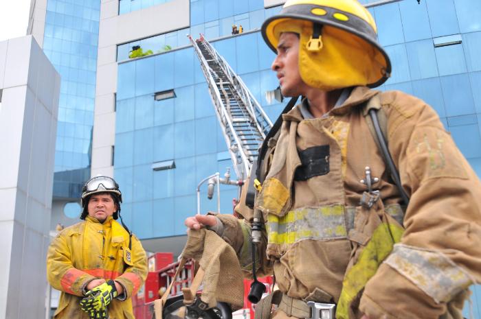 Incendio en edificio Las Cámaras de Guayaquil