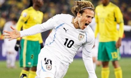 Uruguay golea a Sudáfrica 3-0