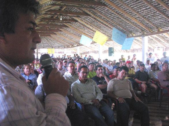 Ministra se reunió con camaroneros en Pedernales