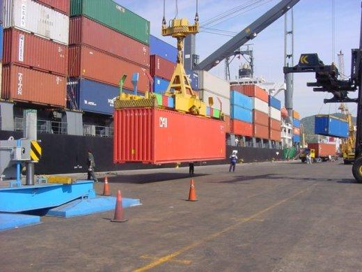 Gobierno pone a funcionar la ruta Manta-Manaos