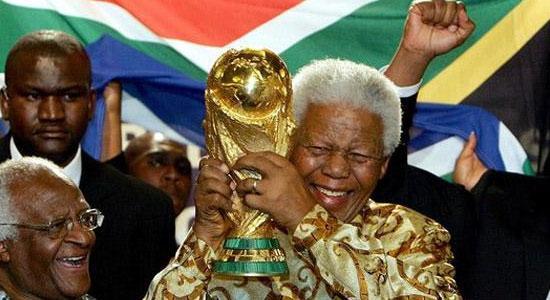 Nelson Mandela asistió a la clausura del Mundial