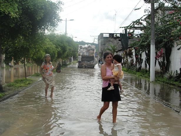 Calceta soportó una grave inundación