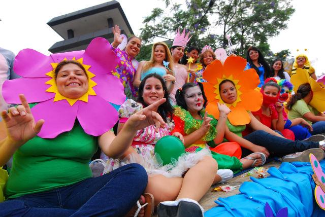 Alegría, ritmo y juventud en el colorido pregón de la USGP