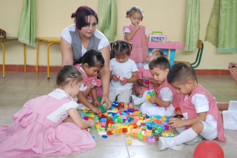 El día del maesrto se celebra en todo el Ecuador