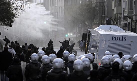 Protestan en Turquía por matanza de Kurdos