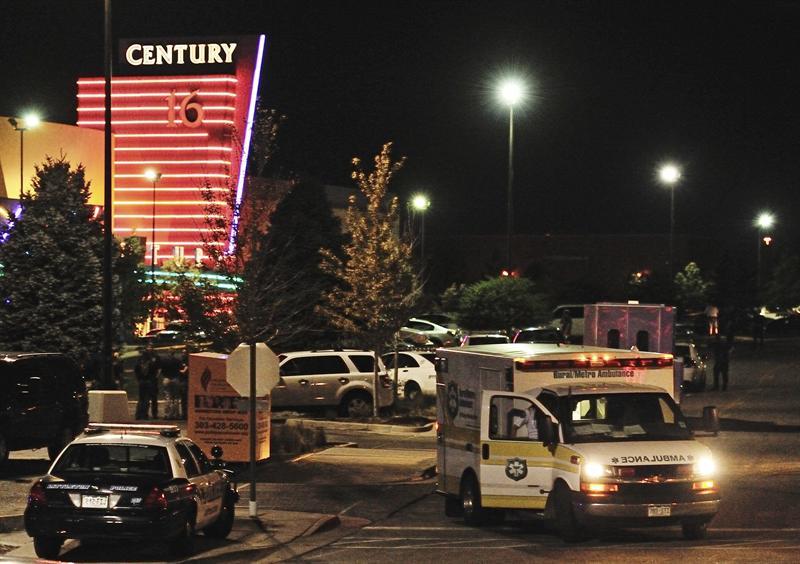 Tiroteo en un cine deja al menos 14 muertos y 50 heridos