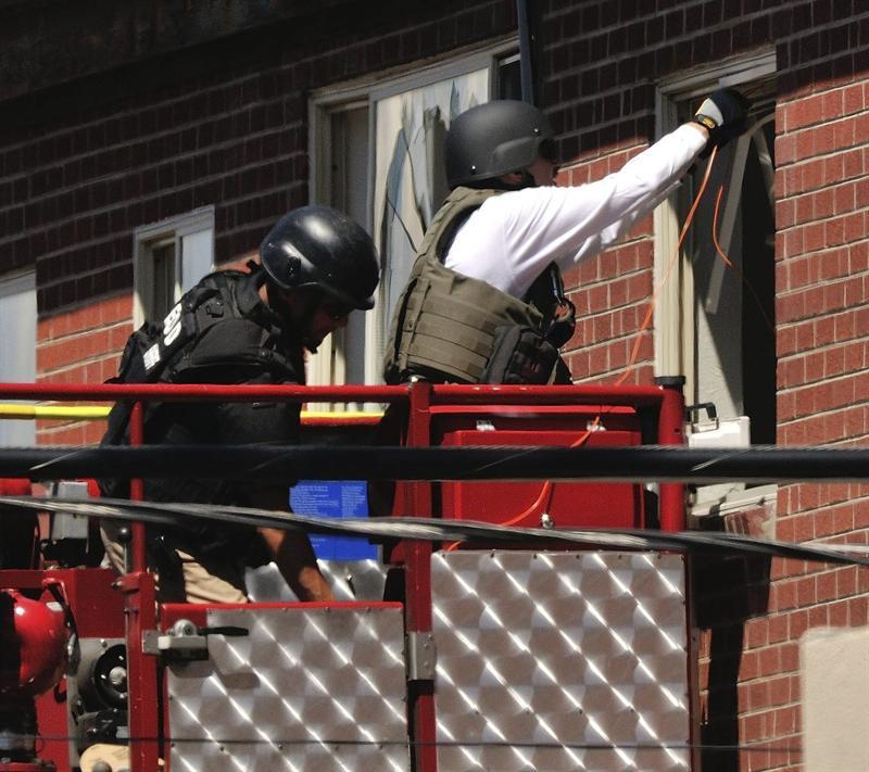 Apartamento de sospechoso de tiroteo estaba diseñado para matar