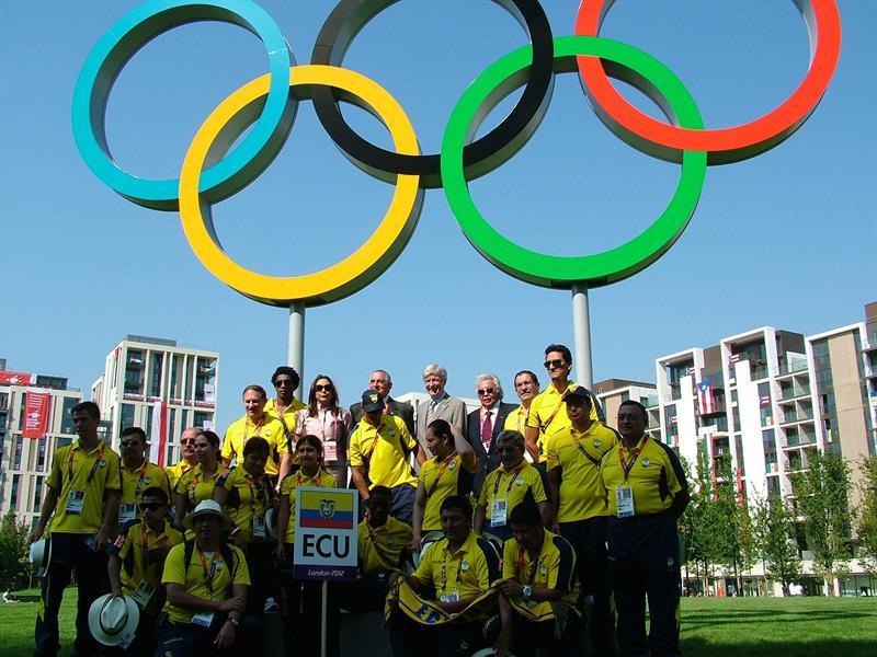 Nueva generación de atletas ecuatorianos va a Londres