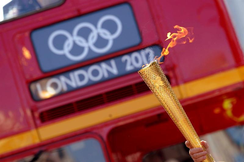 Londres celebra la llegada de la antorcha olímpica