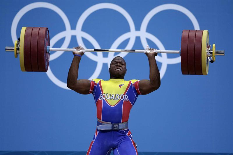 David Arroyo levantó 385 kg. y es octavo en halterofilia