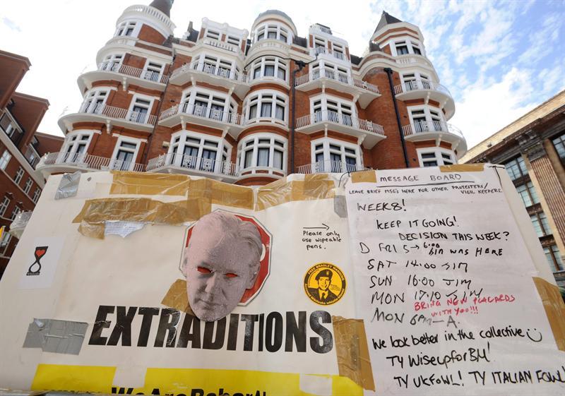 El Gobierno maneja el pedido de Assange con discreción