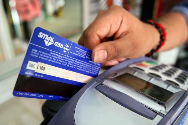 Clonadores de tarjetas de crédito operan en Manta