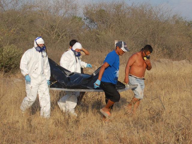 En estado putrefacto hallan cuerpo de un hombre entre montes
