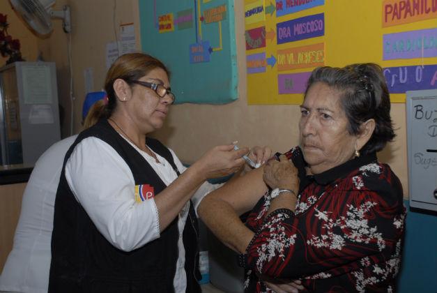 Arrancó la vacunación contra la gripe estacional