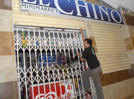 Prohibición de venta de  licor afecta a comerciantes
