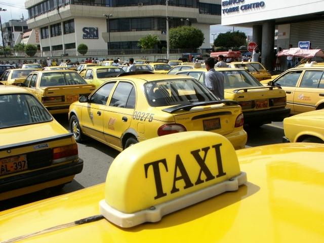 Taxistas, entre la seguridad y el orden