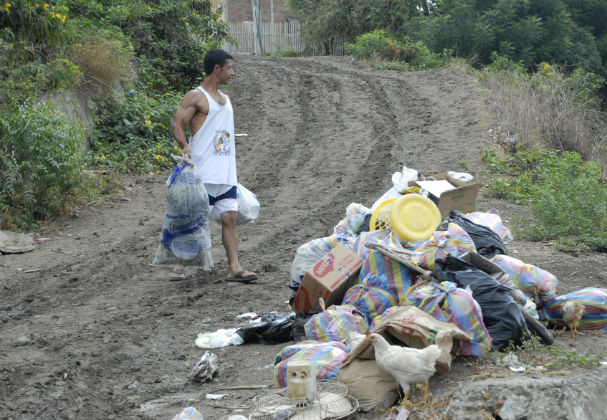 Leve lluvia formó lodazales en Portoviejo